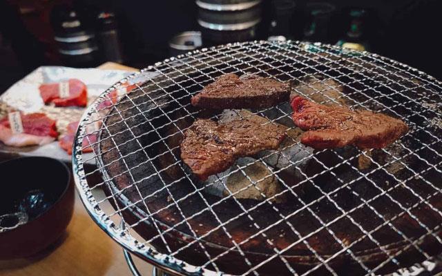 Tokyo Food Tour: Eat Sushi and Wagyu in Shinjuku!