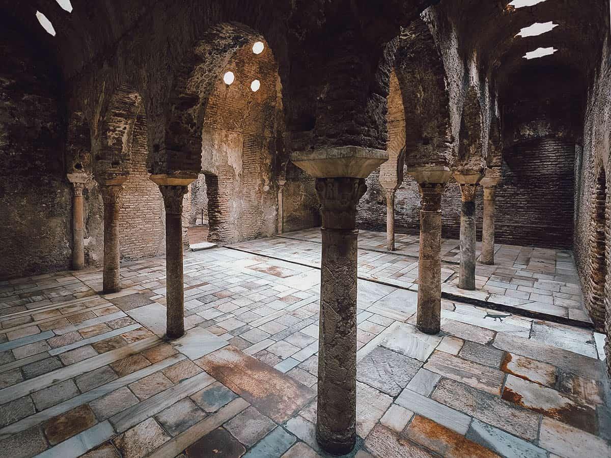 Inside the Banuelo