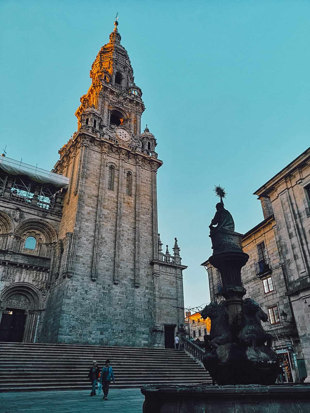 Torre da Berenguela from Praza das Prateras