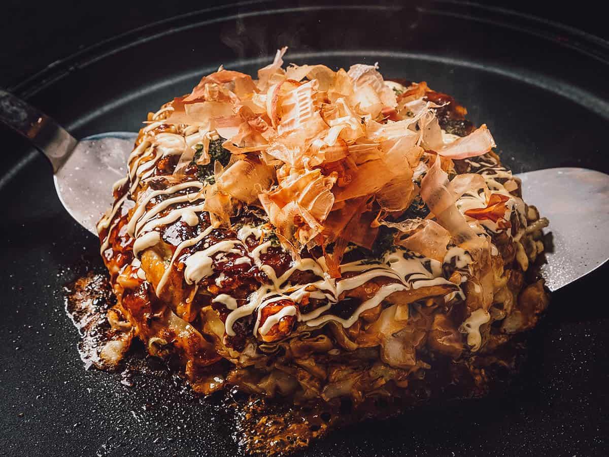 Cooking okonomiyaki