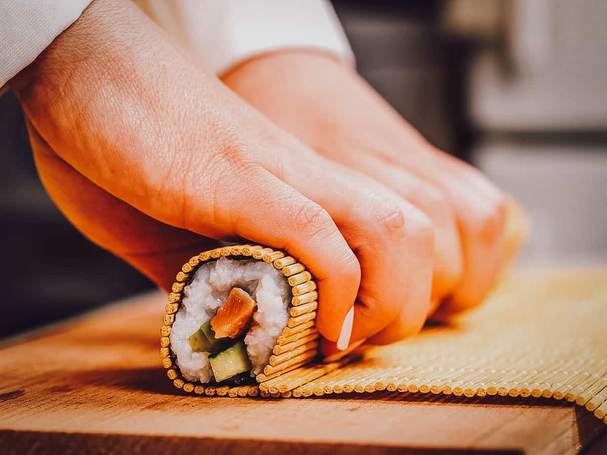 Making a sushi roll