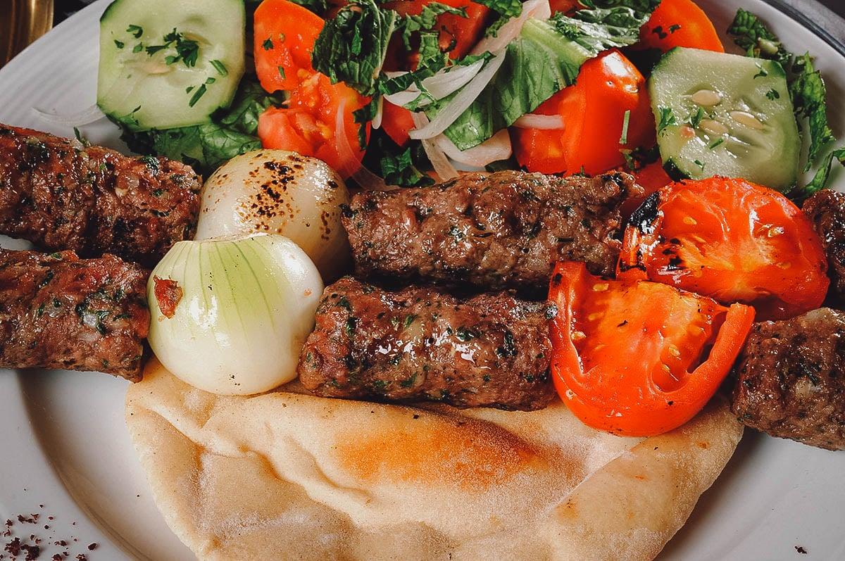 Kafta with pita and vegetables