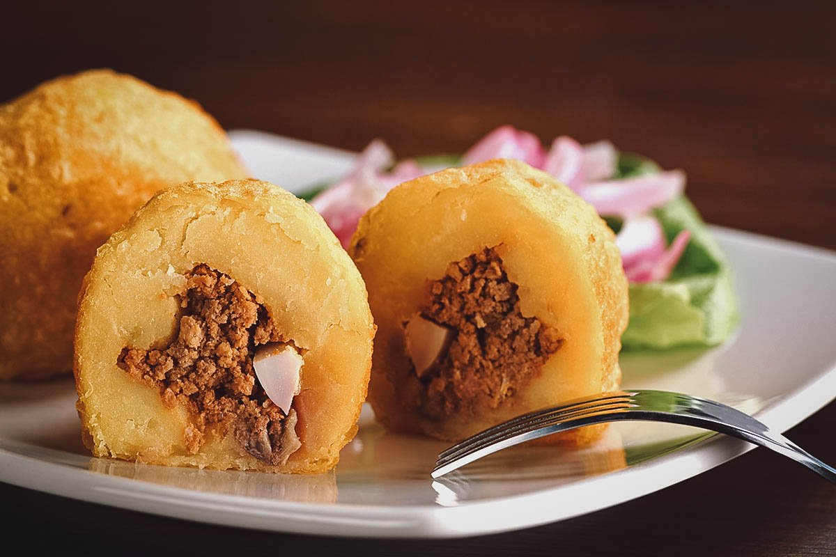 Papa rellena on a plate