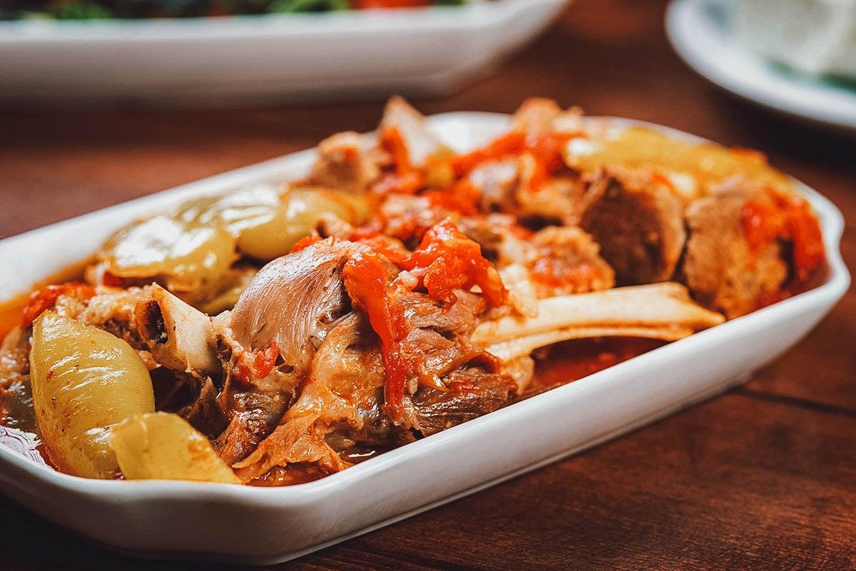 Platter of khashlama