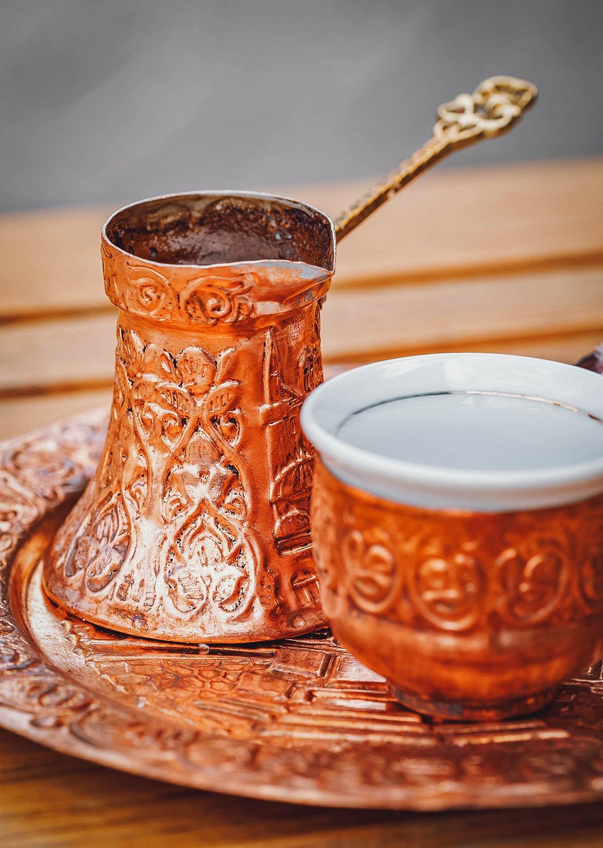 Bosanska kafa in decorative copper containers