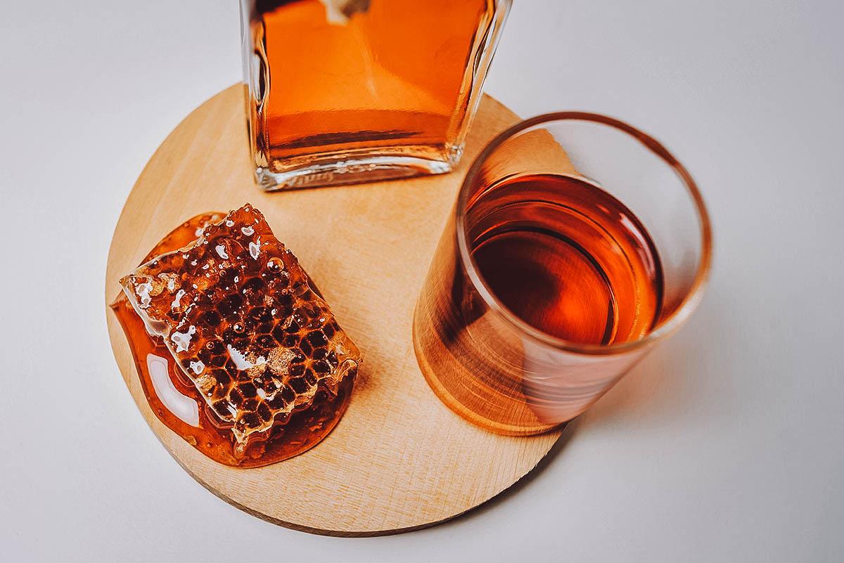 Glass of midus