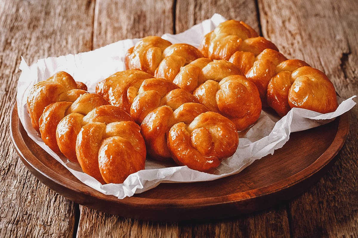 Koeksisters, traditional fried pastry dough