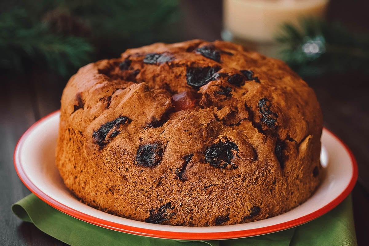 Pan de pascua, a traditional Chilean Christmas cake