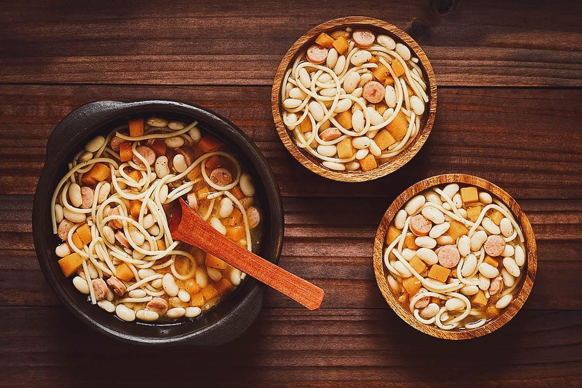 Porotos con riendas, a Chilean stew made with fresh beans and spaghetti